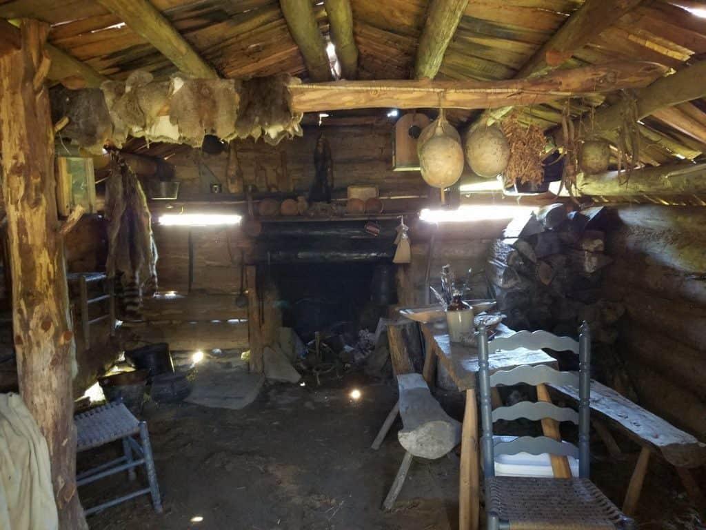 davy crockett cabin